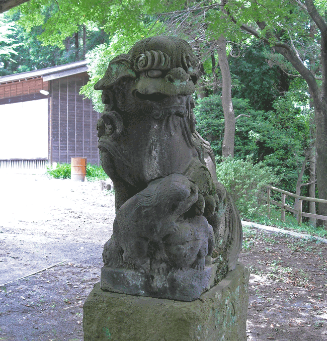 汁守神社 入り口を守る右狛犬