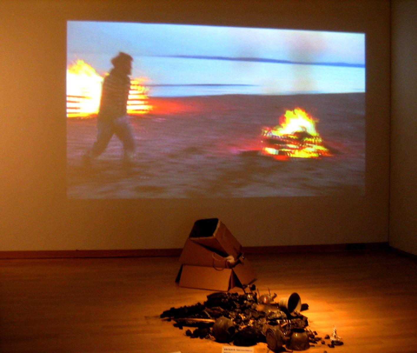 太郎美術館(現代美術展) 087